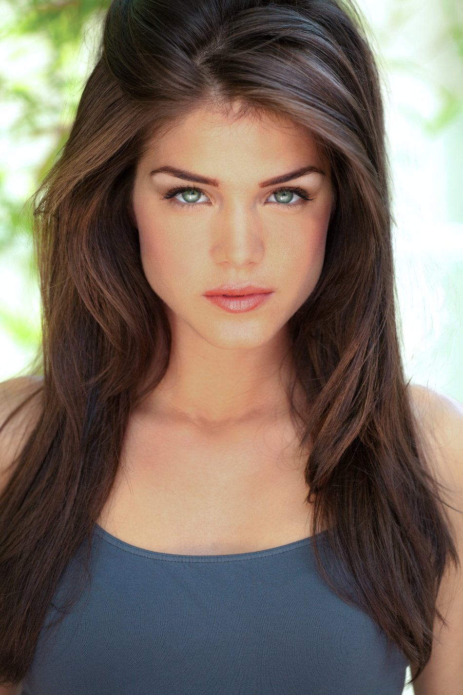 Marie Avgeropoulos (5)